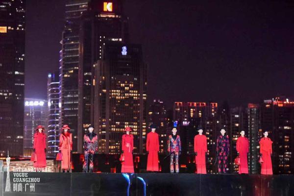 广州国际轻纺城时尚源创平台联合知名设计师进行作品发布