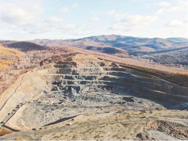 绿色智能采矿破解萝北石墨产业发展瓶颈
