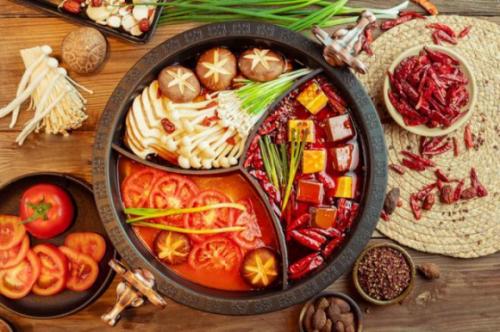 """冬季火锅正""""沸腾"""",不妨边吃边品锅圈食汇为何这么火"""