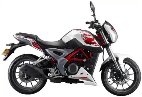 贝纳利又一王牌!单缸水冷250cc,造型彰显档次,均价仅1.6万