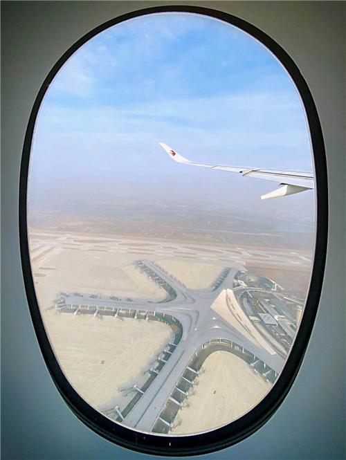 东航派出旗舰A350成功完成青岛胶东国际机场建设项目试飞任务