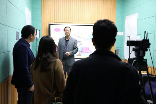 精进教育模式:华南师范大学教育专家团队莅临读书郎参观指导