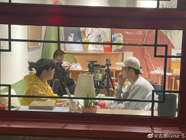 21世纪中国新青年群像:决色吉娜与63个小角色做过最牛的事