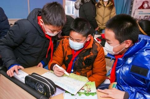 带上科技与公益,阿尔法蛋词典笔走进合肥市琥珀小学