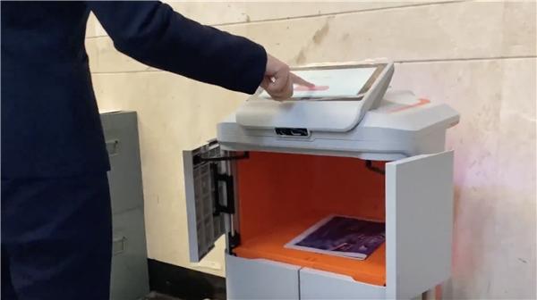 广州越秀区人民法院又添猛将,九号公司配送机器人上岗送文件