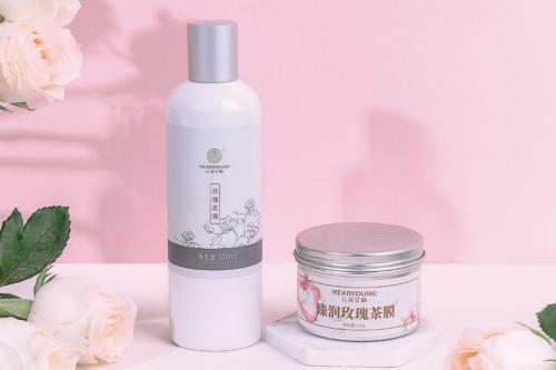 云朵艾杨保湿产品,击退冬季肌肤敏感问题