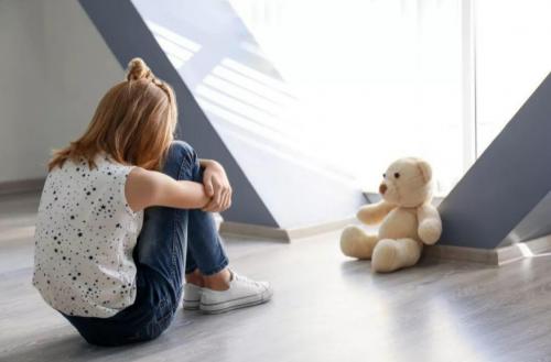 慧凡儿童成长公益热线启动:儿童心理问题咨询率高达65%