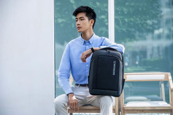 """高效商务 稳定""""类型"""" 温格戈薇推出瑞士经典系列讲师商务背包"""