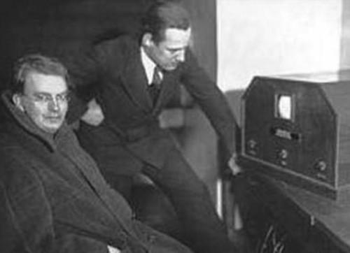 电视行业终于迎来了百年变革!华为智能屏幕让传统电视的优势不复存在