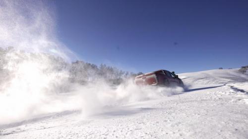 元旦假期的正确姿势:开长城炮去玩雪!