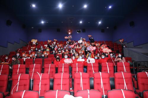 京东物流再掀跨年营销热潮,与电影《温暖的抱抱》联动效果满分