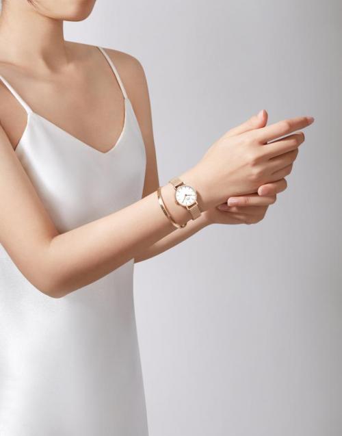 DANIEL WELLINGTON全新推出春节限定腕表及配饰