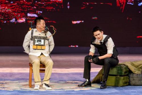 《欢乐喜剧人7》第二期秦霄贤变养生男孩 熊梓淇爆笑演绎拆弹专家