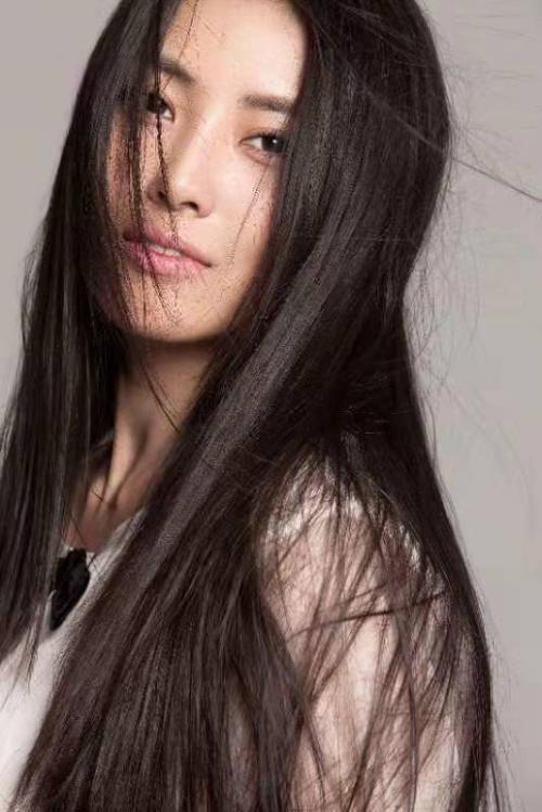 黎一萱挑战美发店 《美发奇缘》Tony老师上线营业