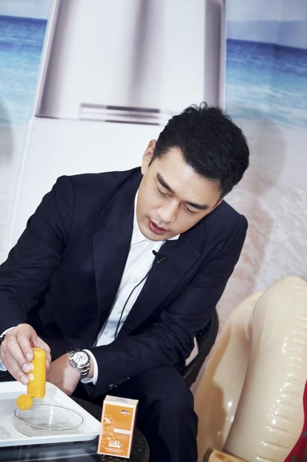 王耀庆直播助阵年货节,为植物医生仙草防晒全力打CALL