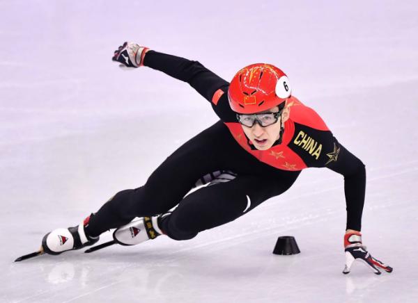 冬奥冠军武大靖携手作业帮:为每一分,付出100分