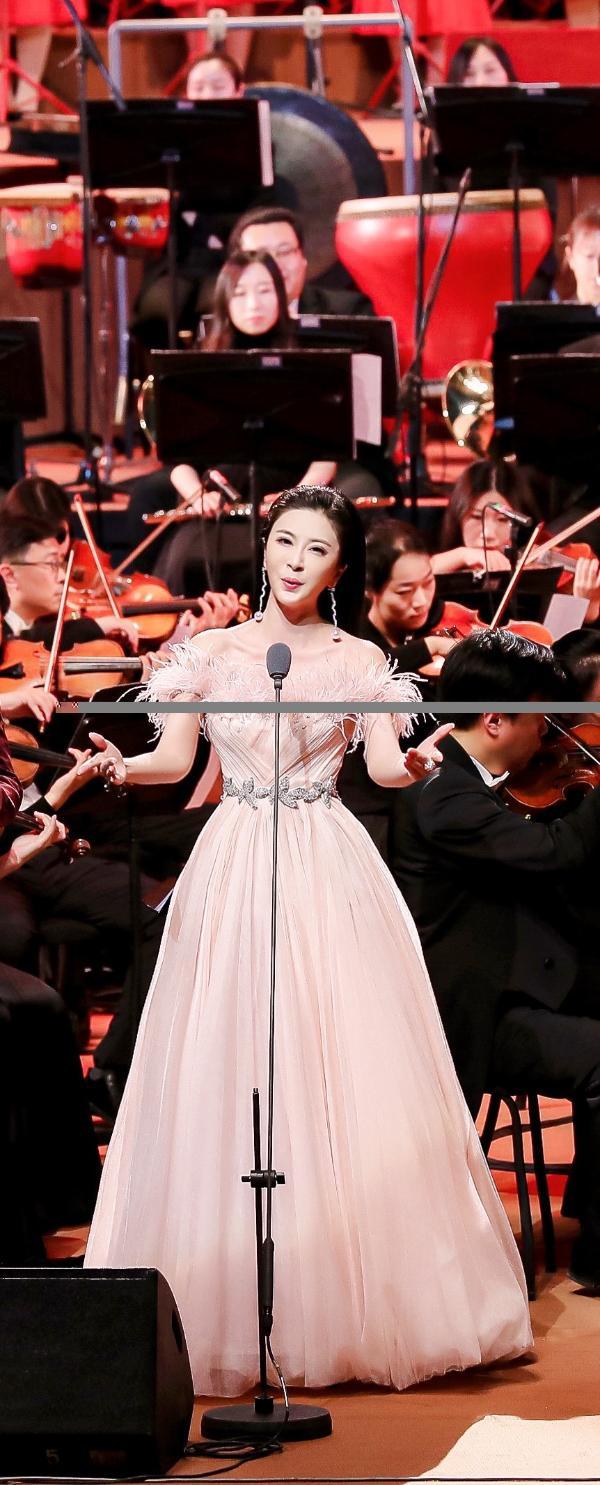 伊丽媛唱响国家大剧院《小康之歌》主题音乐会,用歌声礼赞新时代中国精神