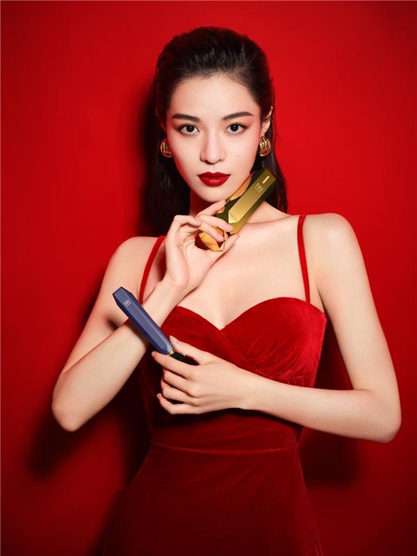 TriPollar初普宣布钟楚曦担任代言人,演绎自信女性力量