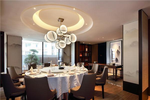 去冰火大厦高端宴会厅 吃健康的湘菜 体验民族特色!