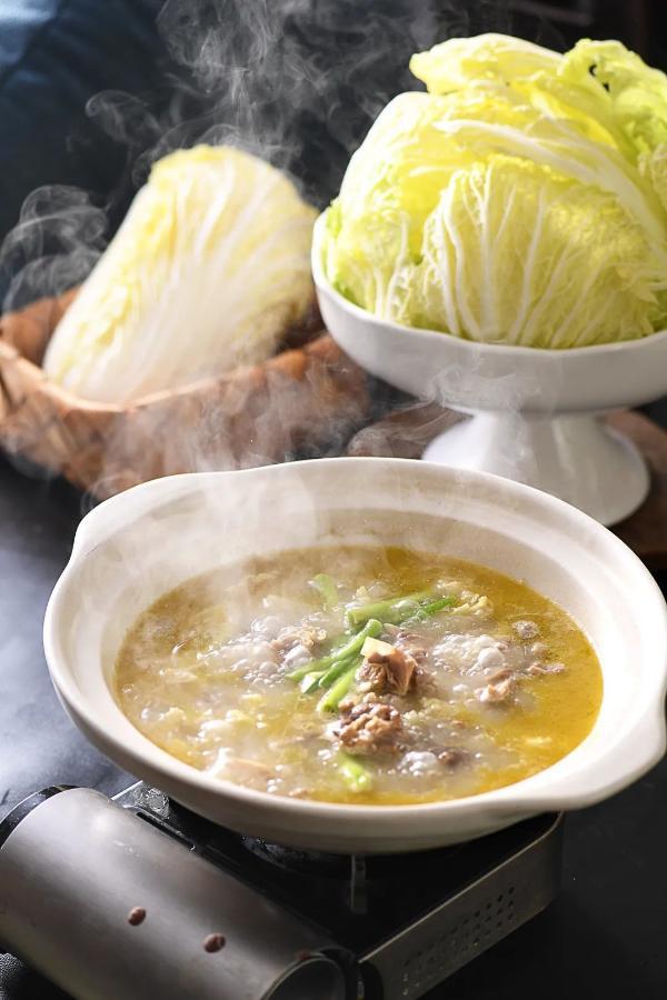上冰火楼高端宴会厅,吃健康湘菜,体验全国特色美食!