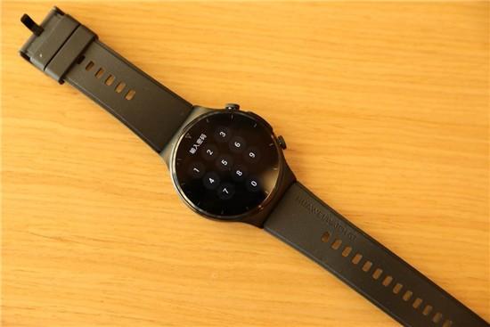 系统更新后的 Watch GT 2 Pro,成了更专业的跑步助手