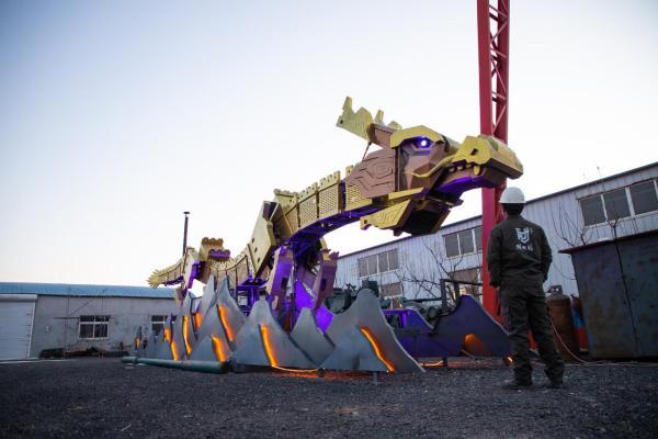 机甲教父孙世前首创长城龙机甲 再创中国机器人艺术高峰