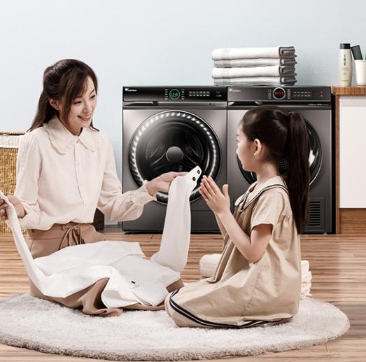 动手的好帮手 小天鹅超微型浸泡洗衣机让您的洗衣更轻松