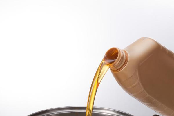 市场规律不可逆转 如何理性面对开年润滑油涨价?