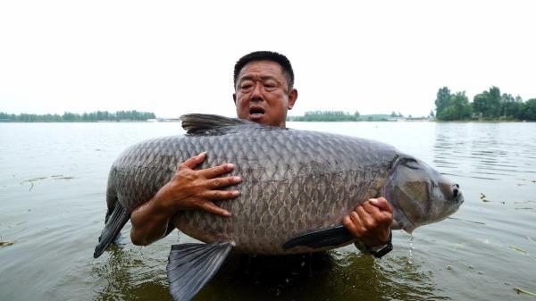 《游钓中国》李大毛代言钓鱼之家商城开钓节