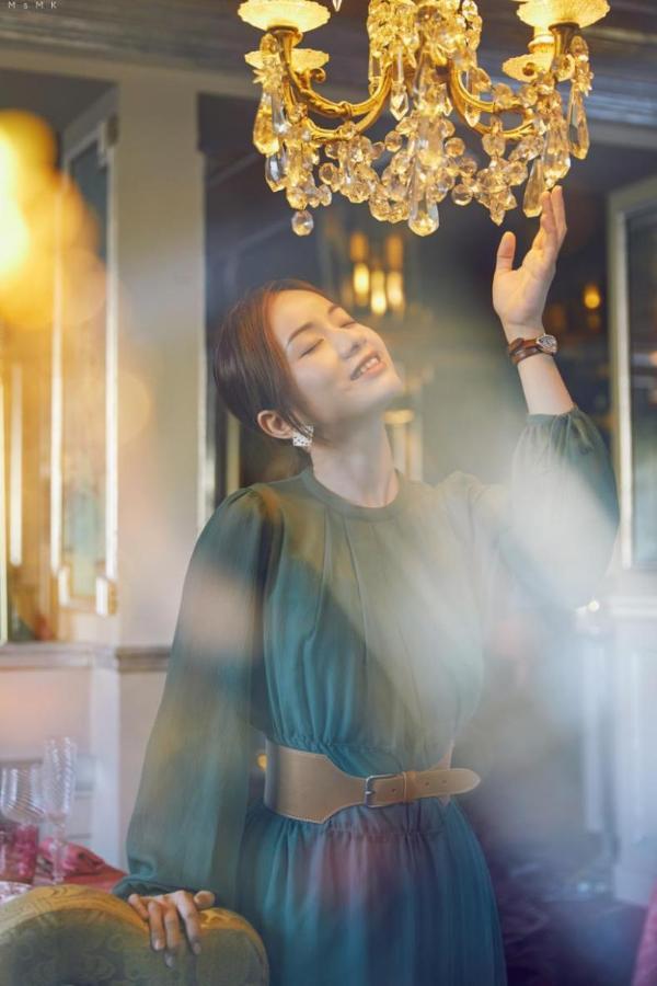 """粉星时尚达人@MK凉凉荣获微播易""""年度商业价值奖"""""""
