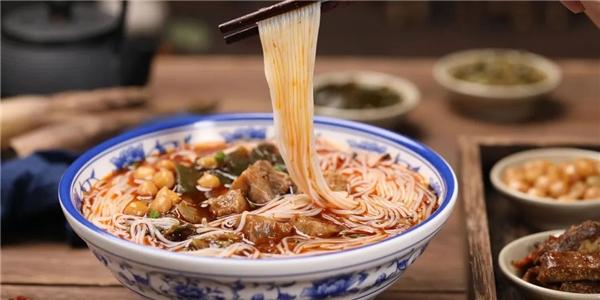 传承中国地方美食 李子柒品牌打造正宗柳州螺蛳粉绵阳米粉