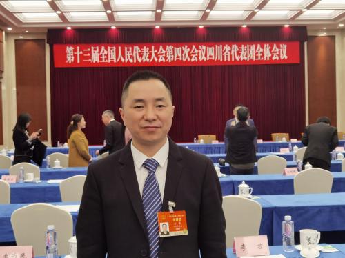 NPC代表余东:加强中国老字号的保护和发展
