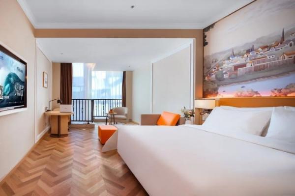 维也纳酒店 X 企鹅医生跨界联合,打造健康舒适睡眠空间