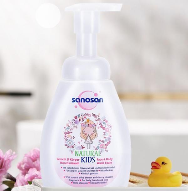 还在为这些沐浴问题纠结?哈罗闪儿童洁面沐浴泡泡给你解围!