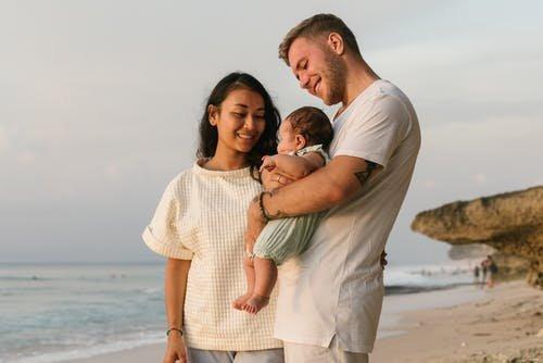 以专业守护宝宝安全,圣元时时深刻品质基因
