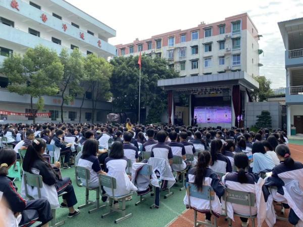 四川天府新区职业学校探索职业教育与有声语言艺术结合的创新路