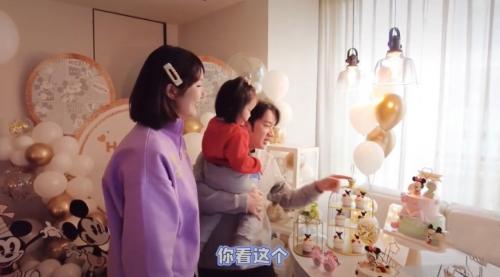 王祖蓝官宣二胎得女,为老婆预定顶级高奢月子会所