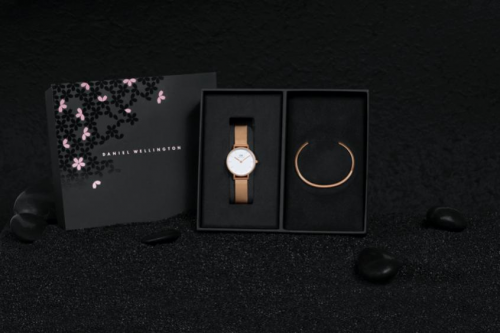 DANIEL WELLINGTON全新推出女王节全新腕表系列及配饰