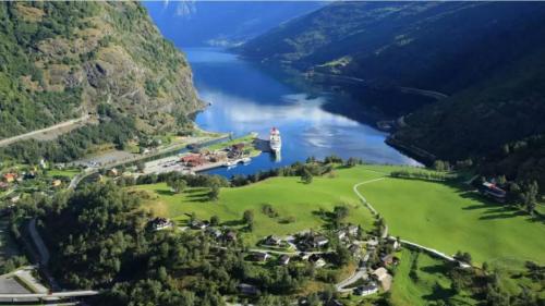 从无名小镇到金字招牌的华丽蜕变,细数挪威弗洛姆的传奇故事