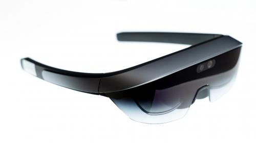 AWE2021的潜在黑马:头戴AR设备EM3 STELLAR来了