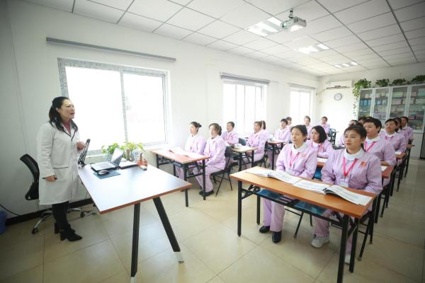 疫情后,这个行业火了 家嘉华洋广州分公司开业给女性带来的新机遇