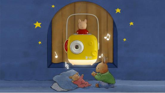 编织梦月和小兔子汤姆营造温馨的睡前教育场景