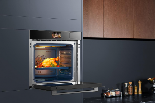 蒸烤炸三重奏亮相成都,老板电器打造高端厨房样板