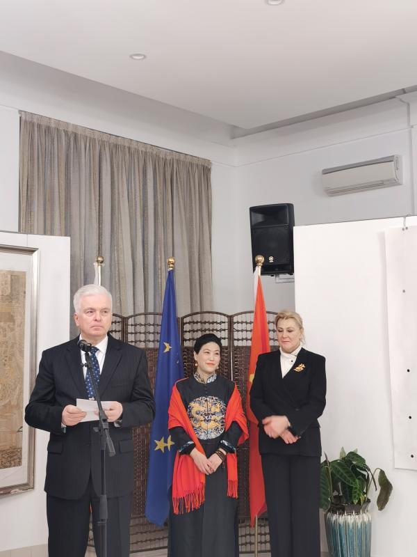 常美娟世界和平与友谊歌曲及绘画展在斯洛伐克驻华大使馆举行