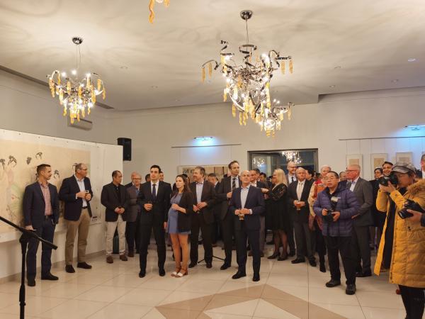 常美娟世界和平友谊之歌画展在斯洛伐克驻华大使馆举行