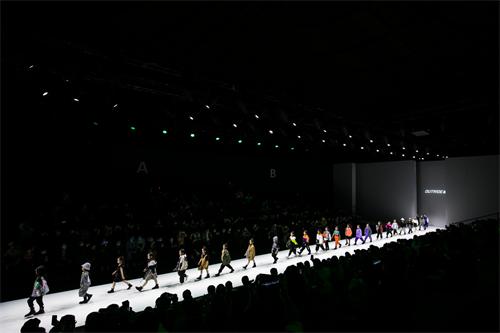 少年国潮新势力!Outride越也登陆中国国际时装周,诠释儿童时装美学新灵感