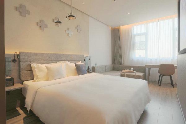 创业半生再出发——宏昆酒店集团创始人陈芳先生的视野与初心