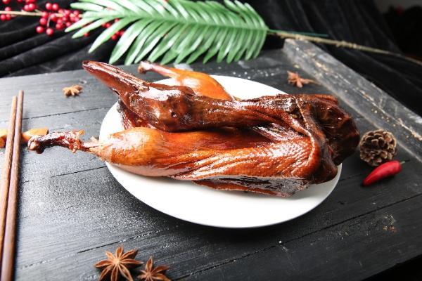 武汉卤味不止有鸭脖,紫燕百味鸡新品藤椒板鸭4月16号上市