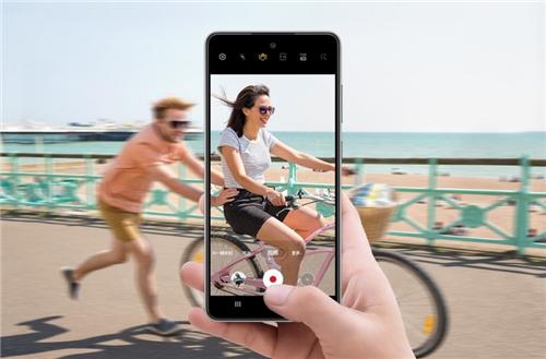 旅行必备,三星Galaxy A52 5G助你吸睛出街