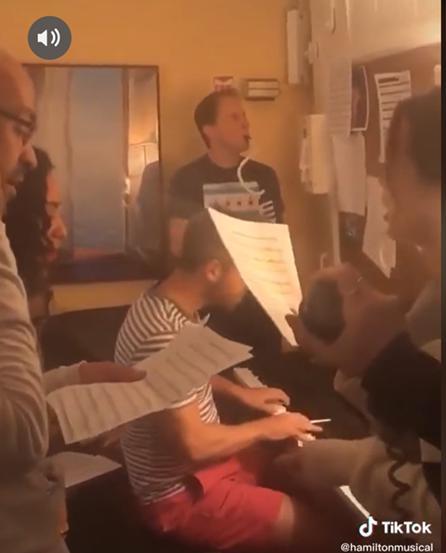 《泰晤士报》:TikTok推动音乐剧创新、助力戏剧线上传播